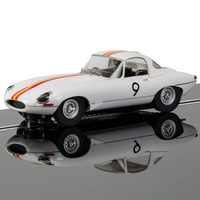 SCALEXTRIC Slot Car - Jaguar E-Type 1965 Bathurst Bob Jane - New Tooling - 57-C3890